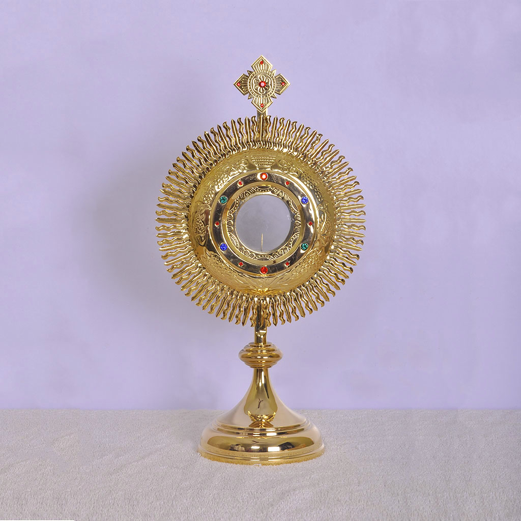 Monstrance 19 inch Monstrance comes with 3 inch Luna